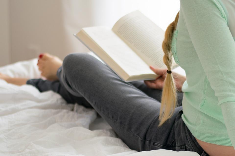 Dlaczego kobiety czytają więcej książek niż mężczyźni?