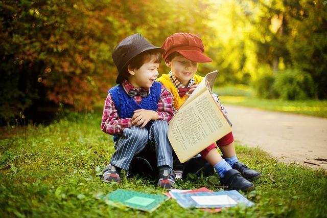 Dlaczego dzieci czytają bajki?