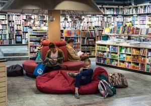Książki obyczajowe dla młodzieży – co czytać?
